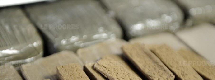 deux-altiligeriens-interpelles-avec-1-kg-de-resine-de-cannabis-1454713808
