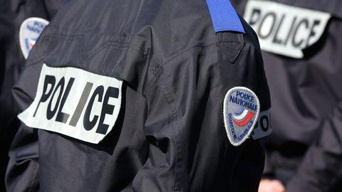 photo-d-illustration-police-policiers-france-1_5998652.jpg