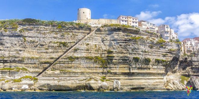 escalier-du-roi-aragon-depuis-mer-bonifacio.jpg