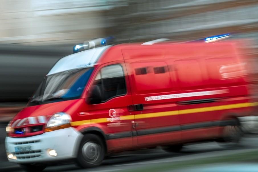 7799800486_un-camion-de-pompiers-illustration